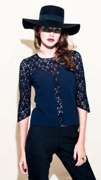 Billede-18-FINAL-Lookbook-Camilla-S-PHOTO-by-Stephen-Freiheit-1P6A0973